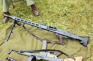 MG-42 / MG-1 / MG-3 / YUGO M53